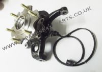 Mitsubishi Shogun 3.8 Petrol (V87) -Front Steering Knuckle / Carrier With Hub  & ABS Sensor R/H
